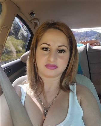 Rich Sugar Mummy In New York Is Looking For A True Lover - Click To Accept Her
