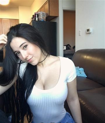 Rich Sugar Mummy In Texas, USA Wants To Meet You For Dating
